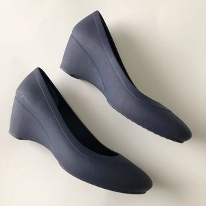 Women Crocs Navy Blue Lina Wedge Shoes Size 8